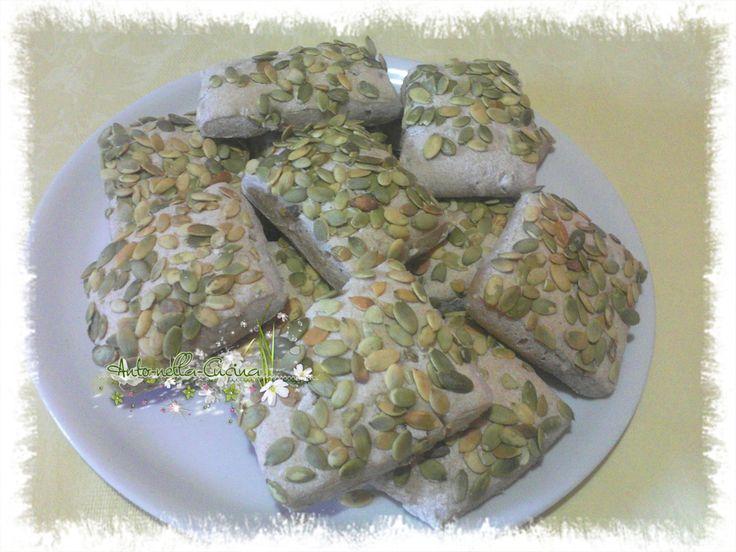 Panini semi integrali ai semi di zucca e giarasole... | Anto-nella-Cucina