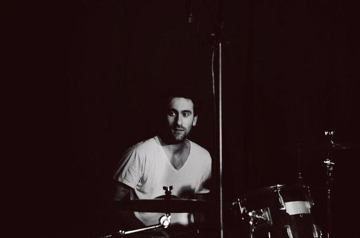 11/02 Matteo Canali - Born by Chance live all'Arci Blob di Arcore, Monza Brianza. Fotografie di Chiara Arrigoni.  #bornbychance #arciblob #arcore #milano #concerto #music #livemusic #blackandwhite #batteria #batterista #drum #drummer #peace #drumset #cymbals #biancoenero