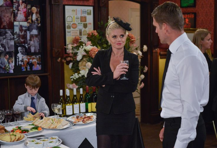 EastEnders: Sam Mitchell to abandon her son when she leaves for Portugal?