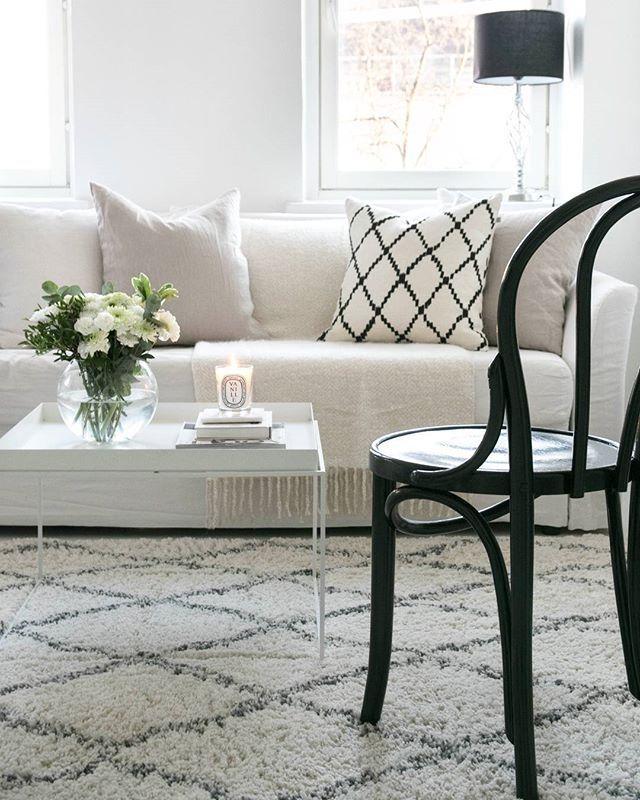 Ton chair, White Livingroom  . . . . . . . . . . . #homestyle #Livingroom #Interior#interiordesign #interiorstyling #Interior125#interior4all#interiorinspiration#interior123#homedecor #inredning #whiteinterior#interior_and_living #interiors#scandinavianinterior#likeforlike#like4like#interiørmagasinet #sfs#interior4you #nordiskehjem #interiorforinspo #instahome#interiors #passion4interior #interiores#interior2you#skandinaviskehjem #interior_and_living #interior4you1