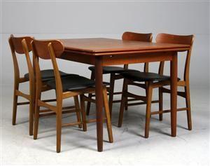 Lauritz.com - Møbler - Dansk design. Spisebord med hollandsk udtræk samt fire stole i teak (5) - DK, Helsingør, Støberivej