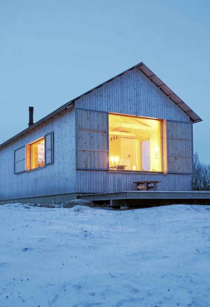 Best 25 Modern Bungalow Exterior Ideas On Pinterest: White And Cozy Modern Barn Home