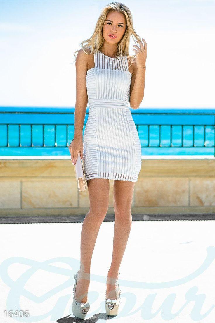 Это изысканное платье подойдёт для коктейльных летних вечеринок и безусловно будет прекрасным дополнением образа для легких и ненавязчивых прогулок у моря. Вы можете не сомневаться, это платье подчеркнет всё многобразие Ваших достоинств. #dress #clothes #style #платье #одежда #стиль #sea #море #white #гипюр #гепюр http://gepur.com/