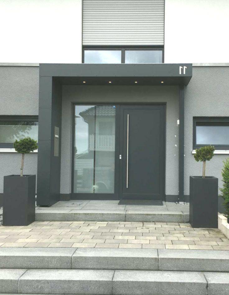 Eingangsuberdachung Vordach Mit Hausnummer Beleuchtung U Aussendesign Moderne Haustur Eingang Uberdachung Eingangsuberdachung