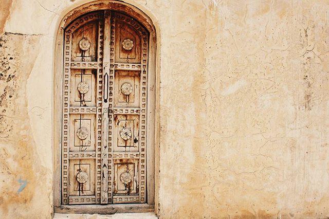 One of the beautiful temple doors at Katasraj Temples, Chakwal. . #vscocam #ig_Pakistan #igersPakistan #vzcoPakistan #travelbeautifulpakistan #shutterpakistan #dawndotcom #etribune #eyesseedoors #doorsofPakistan #murreemall