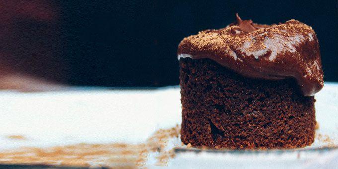Chocolate Mudcake via @iquitsugar