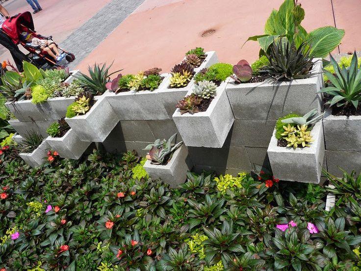 17 best ideas about brick planter on pinterest raised planter beds brick garden and raised - How to build an alley out of reused bricks ...