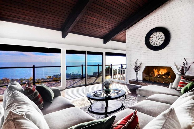 Search gorgeous vacation homes in Laguna Beach! The area features 340 days of sunshine, world-class beaches and dramatic coastline. Our Laguna Beach rentals are situated between Los Angeles and San Diego.