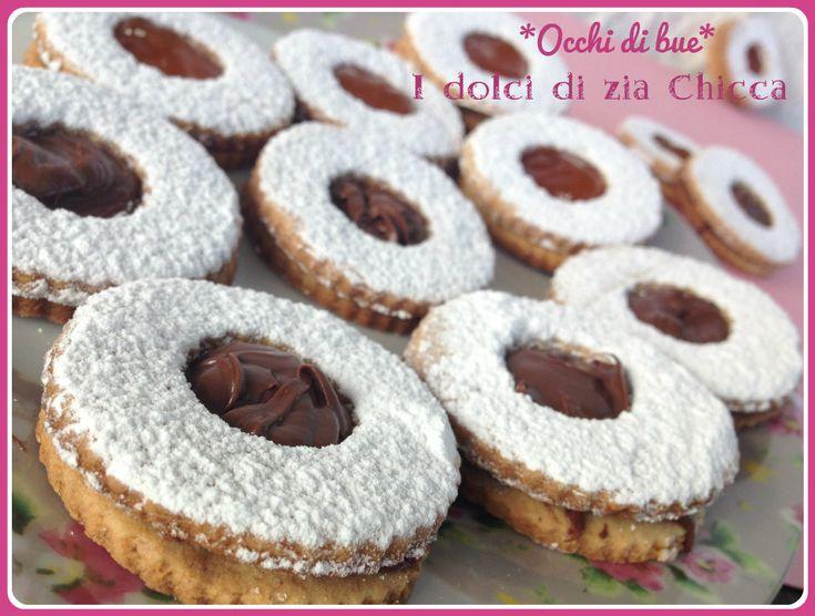 Gli Occhi di bue come in pasticceria sono dei dolcetti golosi ideali per la merenda o per il thè.