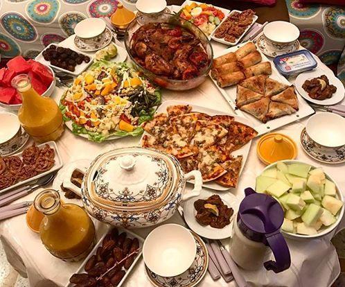 comme je l'ai fait lors des ramadans précédents, je partage avec vous la table de ftour à chaque fois que cela est possible pour moi , pour vous donner une idée des menus de la table ramadanesque chez moi. dans cette table il y'a la harira chebbakia foie...