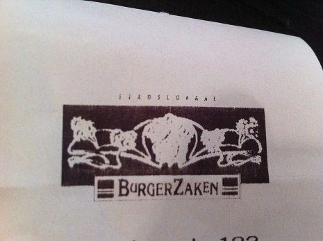 Leiden | 20 januari | Lunch Restaurant BurgerZaken | Wat waren we kwijt: € 22,35 Wat dronken we: thee & cola light Wat aten we: bruschetta met geroosterde aubergine, saffraanyoghurt, basilicum en granaatappelpitten en het speltbrood met oosters gemarineerd rundvlees, wasabimayonaise en komkommerwakamé.