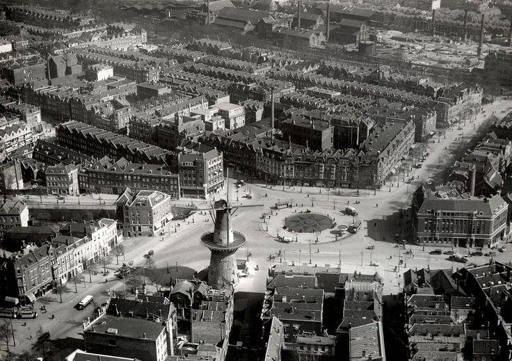 1934. Oostplein met de Oostmolen.