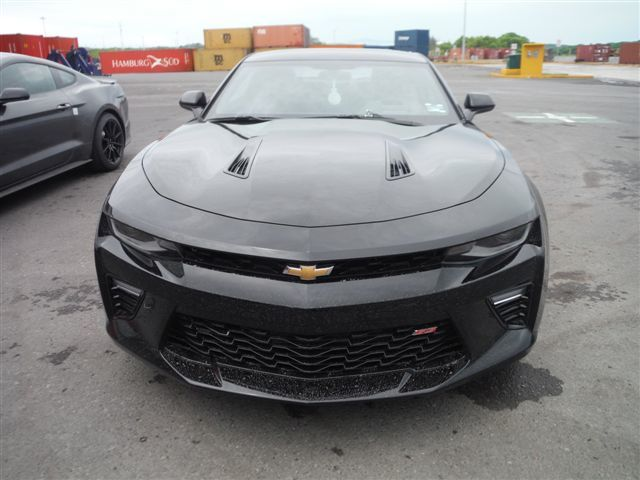 Fast And Furious  - Chevrolet 2017 Camaro 2SS Magnetic Ride Schiebedach