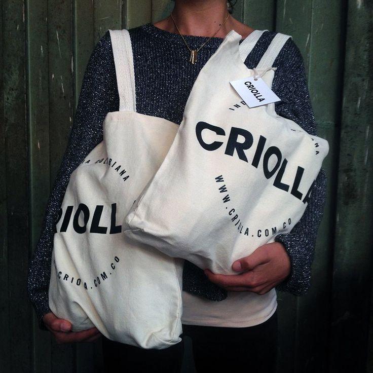 Saliendo a entregar un pedido especial :) #criolla #bag #fabric #shopping #gift