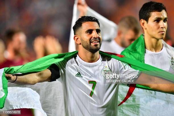 بعض صور المنتخب الجزائري اثناء تجوالهم بالجزائر العاصمة Algerian Football Soccer