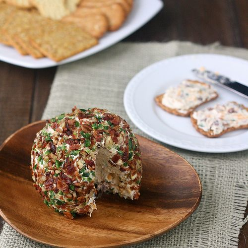 Bacon-Jalapeño Cheese Ball by Tracey's Culinary Adventures, via Flickr