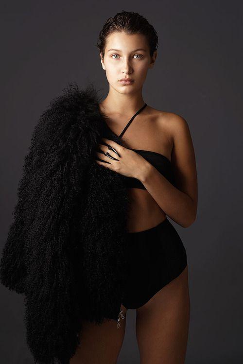 Model Bella Hadid wearing the Diaboli Kill Damian ring. Shot by Yuki and Joseph Paradiso @paradisonyc | www.diabolikill.com