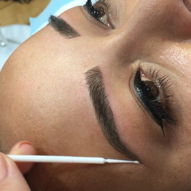 Here is some footage of these lovely brows created today �