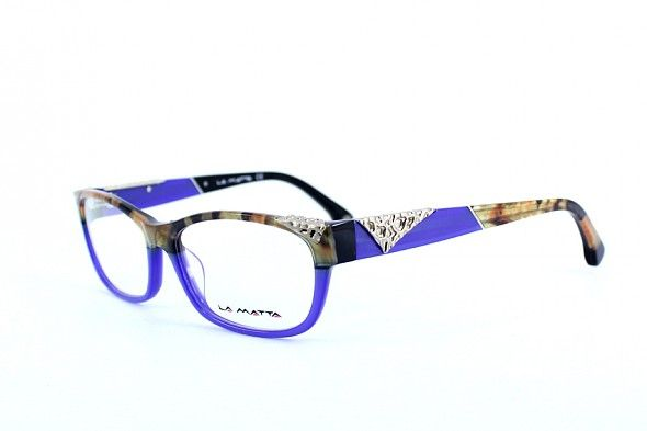 April 2017 La Matta 3172  LA MATTA frames express bold combinations using animal prints and colours that are inspired by the wild. Using unconventional colours and shapes, they are an explosion of detail with lots of personality.