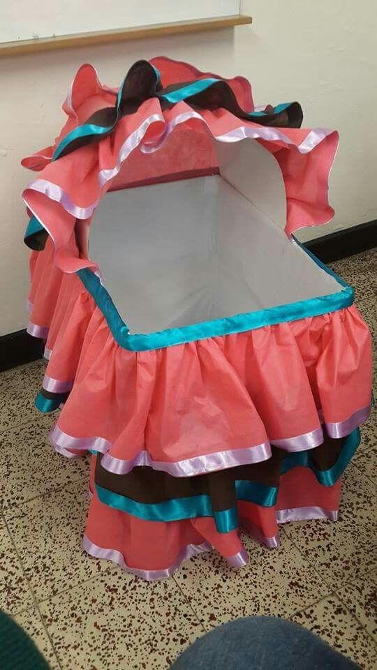 Caja de regalos/moises baby shower niña
