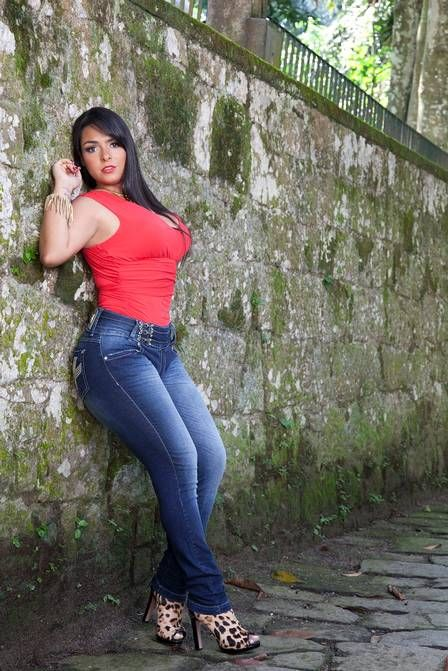 mulher melancia in tight jeans tumblr