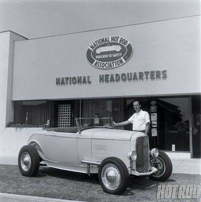Bob McGee's 1932 Ford - Kustomrama