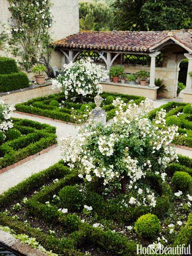 12 Incredible Ideas For Backyard Escapes