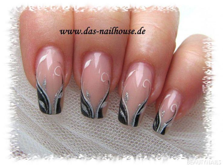 Ber ideen zu herbst nageldesign auf pinterest for Nageldesign matt
