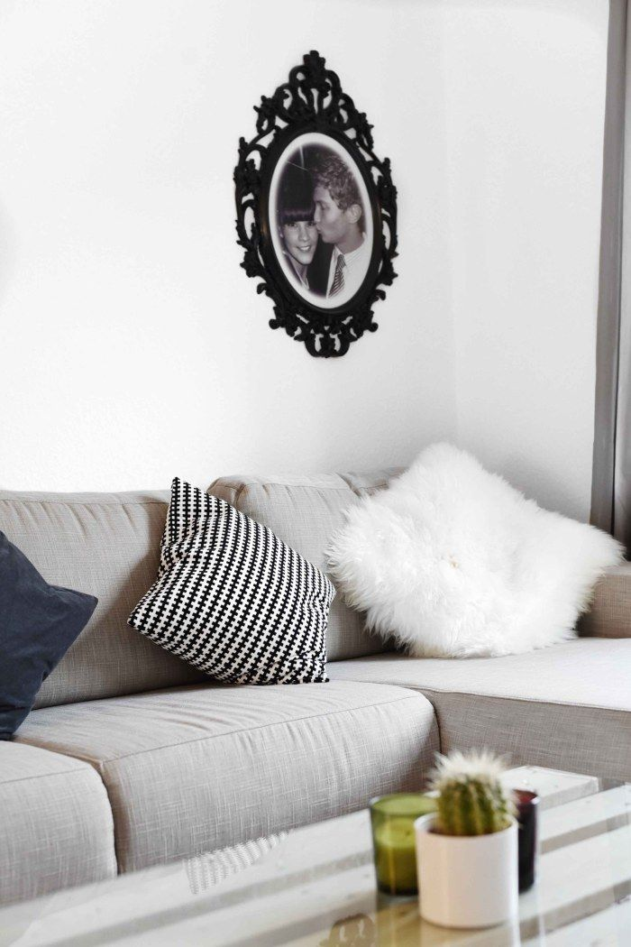 Hellgraues sofa finest download modernes graues sofa mit kissen und schwarzer tabelle im - Wohnzimmer pflanze groay ...