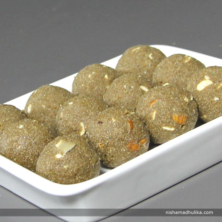Bajra ladoos are very easy and quick to make and are a good source of iron, calcium and fiber.  Recipe in English - http://indiangoodfood.com/446-bajre-ke-aate-ke-ladoo-recipe.html (copy and paste link into your browser)  Recipe in Hindi- http://nishamadhulika.com/1103-bajra-atta-ladoo.html (copy and paste link into your browser)