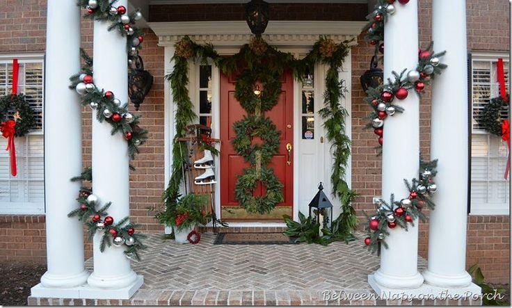 New House Christmas: The Doors, Christmas Decor Ideas, Window Ideas, Front Doors Decor, Christmas Front Porches, Christmas Porches, Christmas Garlands, Christmas Ideas, Outdoor Christmas