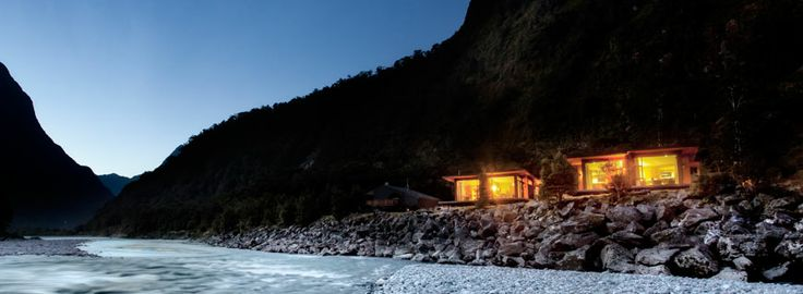 Milford Sound Accommodation & Activities :: Milford Lodge