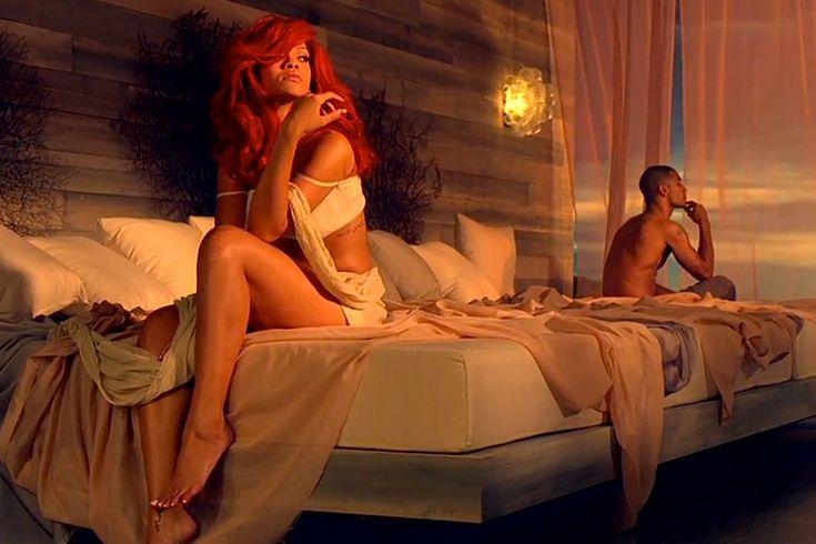 Большинство мужчин уверены в том, что любовники они великолепные. Те, кому более или менее повезло с размером, считают, что осчастливили даму уже одним этим фактом. А уж те, кто подверг женщину предв…