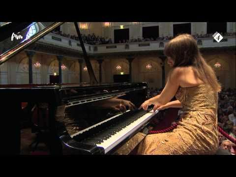 ▶ Rachmaninoff: Pianoconcerto no.2 op.18 - Anna Fedorova - Complete Live Concert - HD - YouTube