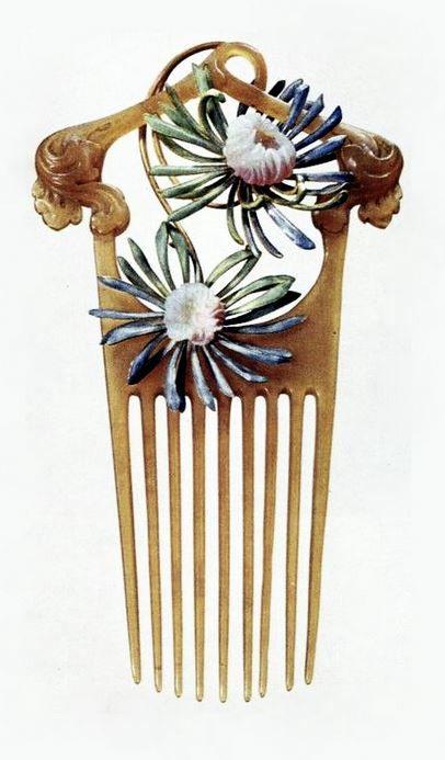 RENÉ LALIQUE   Art Nouveau Hair Comb. (n.d.)