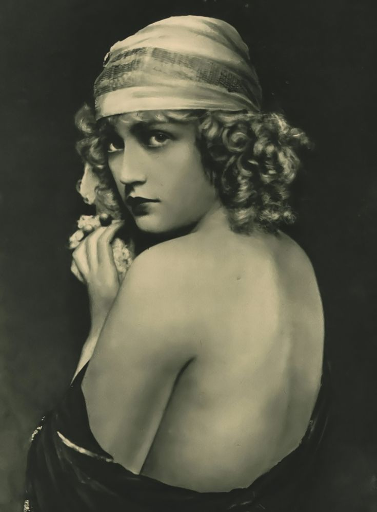 Marion Davies. So in love with her and her story.