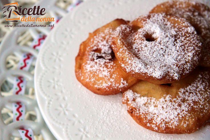 Le frittelle di mele sono fatte con ingredienti semplici e buoni. Vengono preparate a Natale e anche a Carnevale accanto alle classichefrappeecastagnole. Preparazione Sbattete in una terrina l'uovo con il latte, lo zucchero e il pizzico di sale. Aggiungete la farina setacciata con il lievito, amalgamate il tutto e lasciate riposare la pastella per 30 […]