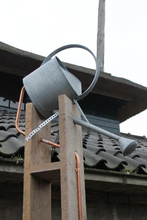 Je weet het nooit met de Nederlandse zomers, maar er zijn altijd wel een paar dagen dat de mussen van het dak vallen. Voor extra verkoeling klust Tom daarom deze aflevering een stoere buitendouche in elkaar!
