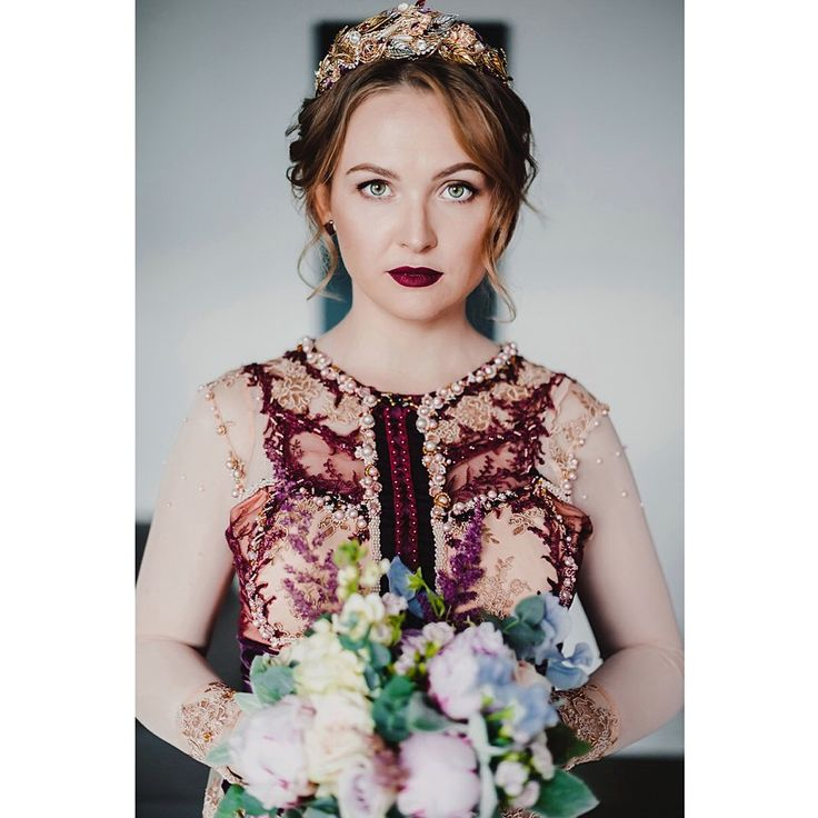 Когда букет невесты завершает образ. Марсала, крем, голубой, пионы, латирус.   When a bridal bouquet completes the look. Marsala, cream, blue, peony, latirus Сергиев Посад