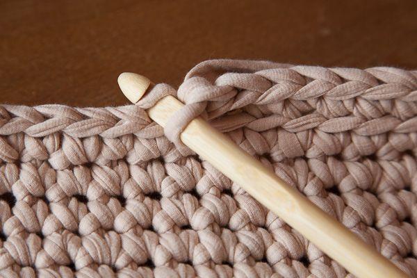 Mes petites bricoles: Tutoriel : couffin au crochet en Trapilho