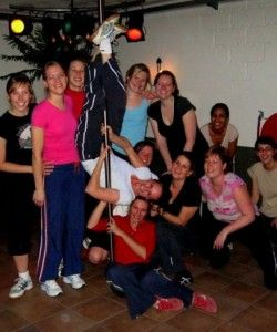 TIP: Paaldansworkshop voor bachelorettepartys! #vrijgezellenfeesten #vrouwen