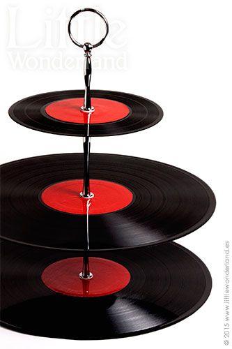 Cómo hacer un cake stand con discos de vinilo   How to make a vinyl record cake stand