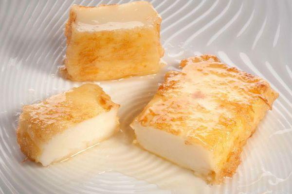 Рецепты испанской кухни всегда вызывали легкое недоумение у кулинаров – как из столь несочетаемых продуктов можно получить блюдо, отличающееся столь неординарным и утонченным вкусом? Сегодня вашему…