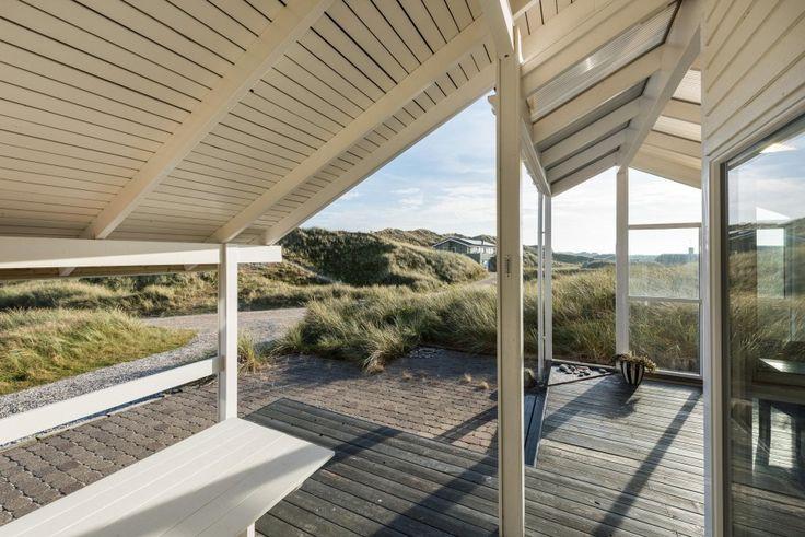 Tolles Ferienhaus für 4 Personen und 1 Hund - ideal für eine kleine Familie oder ein Pärchen. Vom Haus sind es nur 150 Meter bis zum Strand und der Nordsee.