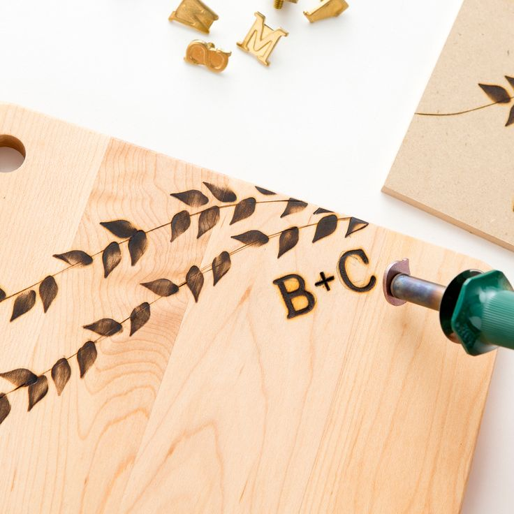 Love a good cheese plate? Then you will fall head over heels for our DIY Wood-Burnt Cheese Board Kit by Brit & Co with Design Sponge #giftideas #christmas