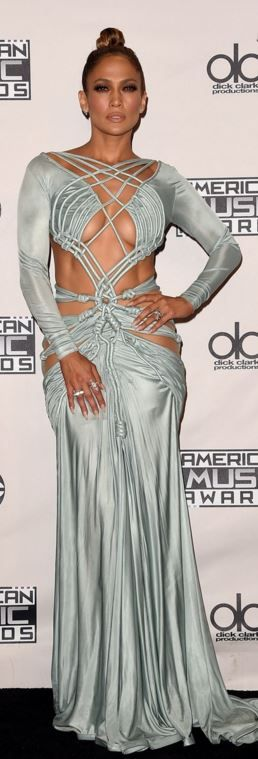 Who made  Jennifer Lopez's blue rope dress and jewelry?