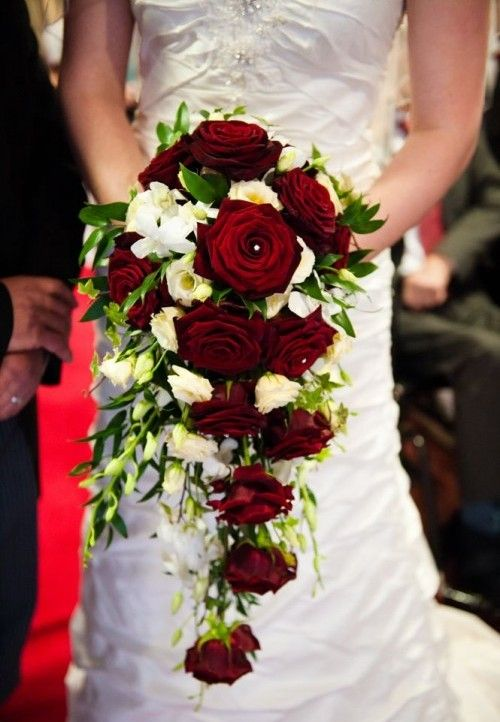 red wedding#christmas red#wedding#bridal bouquet