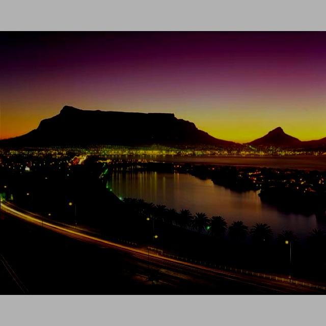 Kaapstad at night