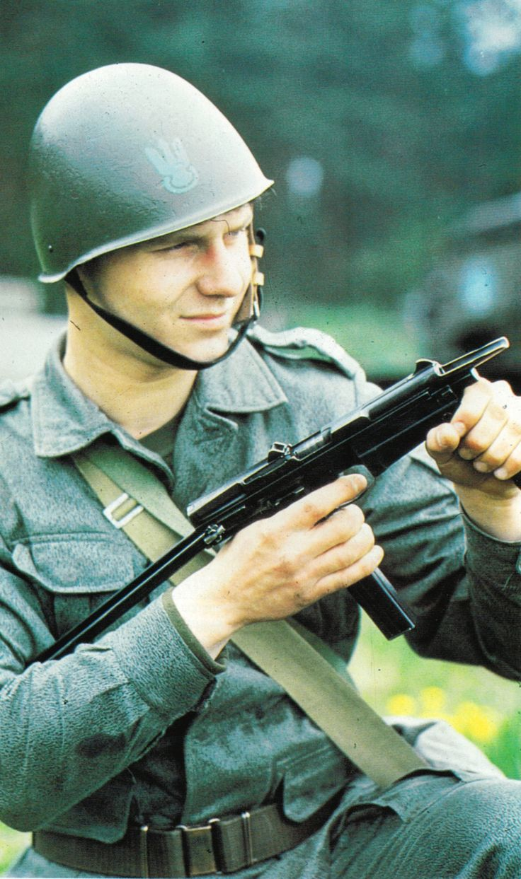 Polish People's Army marine with a PM-36 submachine gun.