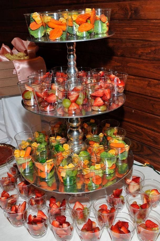 60 SPECIAL FRUIT DECORATIONS ARE DECORATED AT THE WEDDING